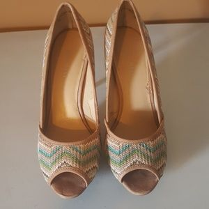 Size 7 Patterned Nine West Pump